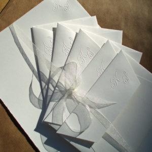 Briefpapier mit Prägung